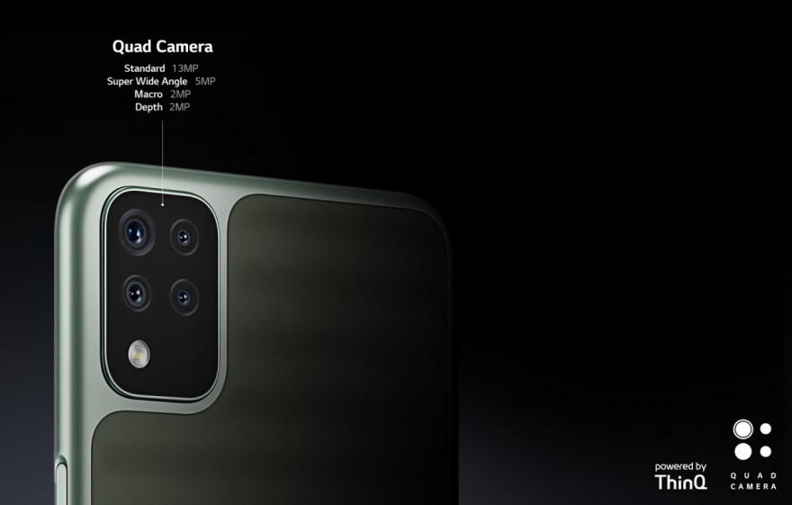4 fotoaparáty zachycují vše